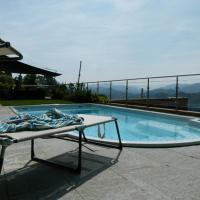 Hotel Pictures: Villa Girandola with private, heated pool, Lugano
