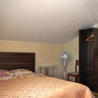 Double Room with Shared Bathroom for 2 Rooms