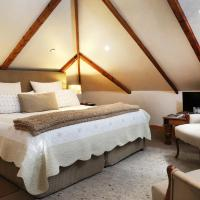 King or Twin Room with Mountain Views