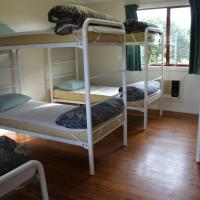 Dormitory Cabin with Shared Bathroom
