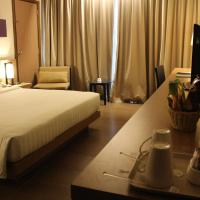 Resort Double Room with Pool View