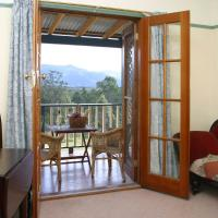 Triple Room with Balcony and Mountain View