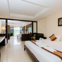 Deluxe Quadruple Room with Balcony