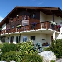 Hotel Pictures: Chalet des Alpes, Crans-Montana