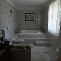 Suite with Spa Bath