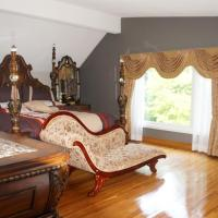 Hotel Pictures: Ridgewood Vacation Home, Pickering