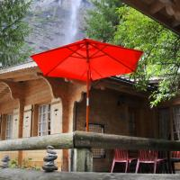 Hotel Pictures: Camping Jungfrau - Holiday Park, Lauterbrunnen