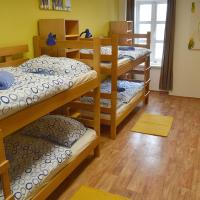 Bed in 10-Bed Mixed Dormitory Room with Sea View