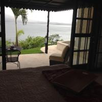 Hotel Pictures: Heliconia Hall, Nuevo Arenal