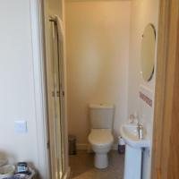 Large Single Room with Ensuite Bathroom