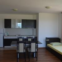 One-Bedroom Apartment (5 Adults) with Balcony