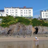 Hotel Pictures: Clarence House Hotel, Tenby