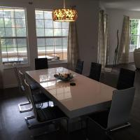 Deluxe Five-Bedroom Villa - Manta 125
