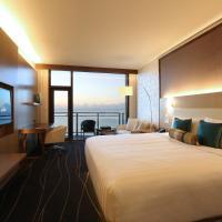 Premier Oceanfront King Room