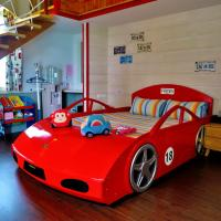 Deluxe Family Suite (Car Kingdom Theme)