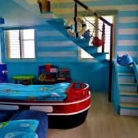 Deluxe Family Suite (Sea World Theme)