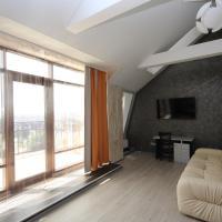 Studio with Balcony #402