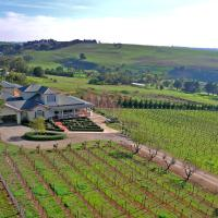 Hotel Pictures: Waybourne- Vineyard and Winery, Geelong