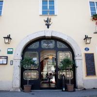 Hotel Pictures: Hotel Restaurant Goldener Anker, Hainburg an der Donau