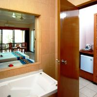 Mountain View Room with Spa Bath