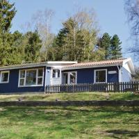 Hotel Pictures: Three-Bedroom Holiday home Ebeltoft with a Fireplace 08, Femmøller