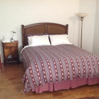 Hotel Pictures: Modern Bungalow Bed and Breakfast, Belleville