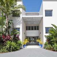 Hotel Pictures: Shoal Bay Beach Club Apartments, Shoal Bay