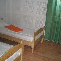 Twin Room with Shared Entrance and Shared Bathroom