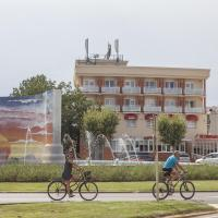 Hotel Pictures: Hotel Silvia, Empuriabrava
