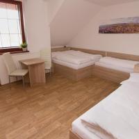 Quadruple Room with Balcony and Shared Bathroom