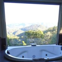Hotel Pictures: Maleny Luxury Cottages, Maleny