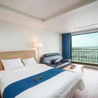 Premier Twin Room with Sea View