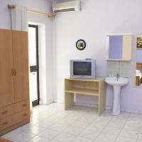Economy Triple Room with Shared Bathroom