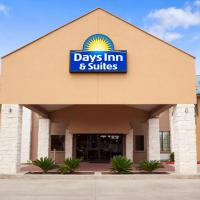 Days Inn and Suites Conroe