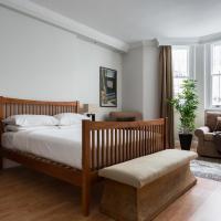 Three-Bedroom Apartment - Onslow Gardens XVII
