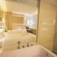 Deluxe Twin Suite with Spa Bath