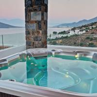 Deluxe Room with Jacuzzi and Sea View