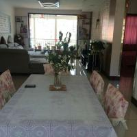 Hotel Pictures: Wenxin Family Apartment, Qilian