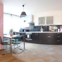 Hotel Pictures: Apartment Letnany, Prague