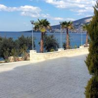 Large One Bedroom Apartment with Balcony and Sea View