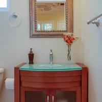 Queen Room with Spa Bath and Shower