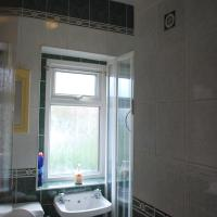 Large Triple Room with Shared Bathroom