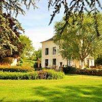 Hotel Pictures: Maison Bourgogne, Saint-Sauveur-en-Puisaye