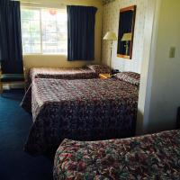 Classic Room with Three Beds