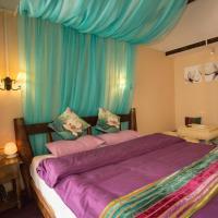 Super Deluxe Honeymoon Suite
