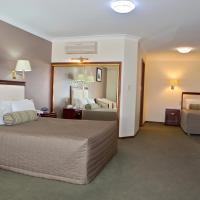 Hotel Pictures: Quality Inn Ambassador Orange, Orange