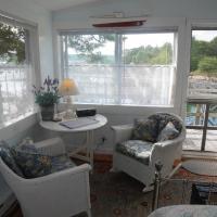 Queen Studio (Deck House)