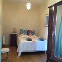 Hotel Pictures: Maison De Village A Cassano, Cassano