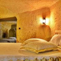 Deluxe Family Cave Suite with Bath
