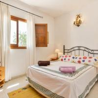 Three-Bedroom Holiday Home in Sant Joan de Labritja / San Juan with Pool II